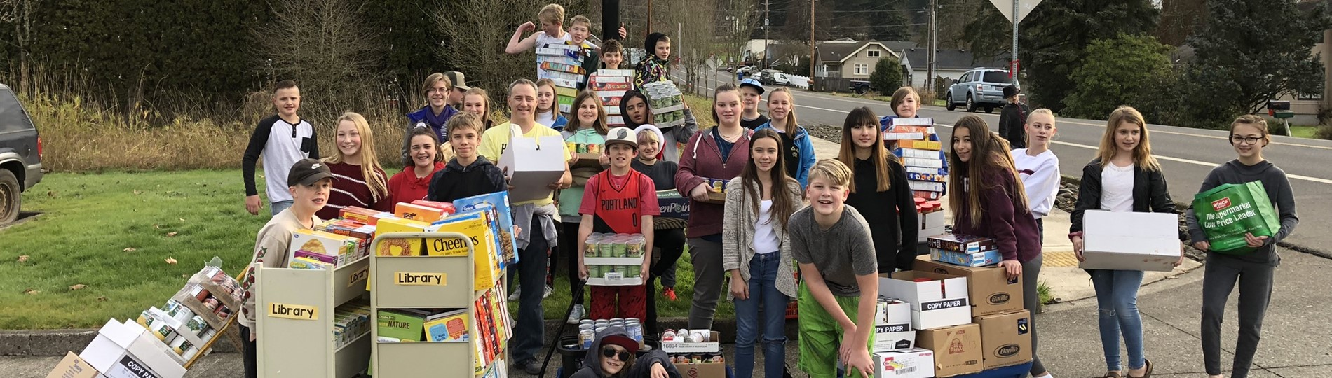 HMS students deliver food collected from school-wide food drive